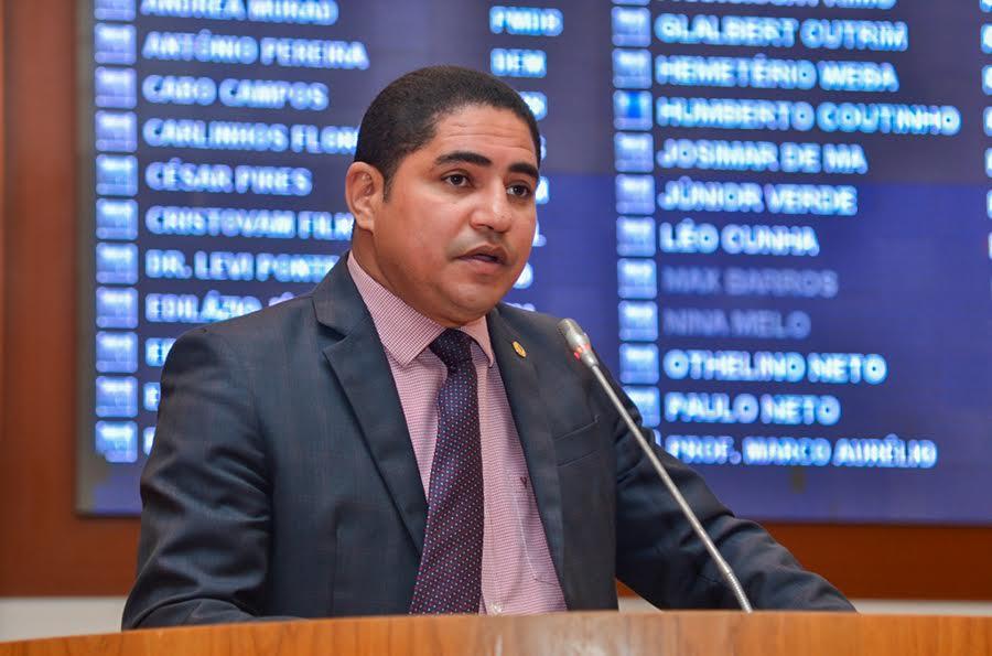 Zé Inácio comemorou a aprovação de sua proposta
