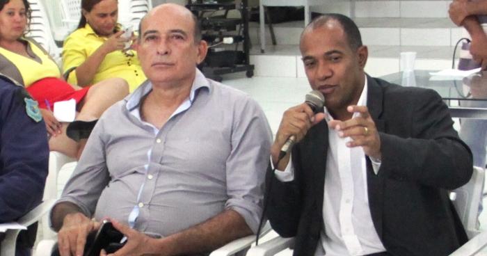 Ribamar Alves com o delegado: reconhecimento