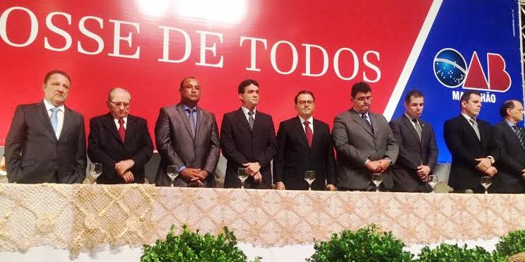 Roberto Costa entre as autoridades que compuseram mesa dos trabalhos na OAB...