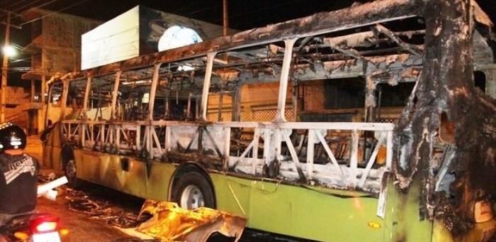 ônibus queimado em São Luís; virou rotina na época de campanha