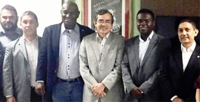 Batista, com Cabo Campos, secretário Marcos Pacheco e demais atores sociais da luta contra o aedes aegypti