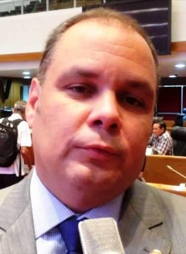 Rogério cafeteira: a cara dele nem treme...