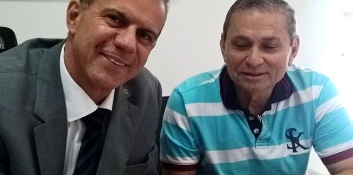 Frota com Carvalho: deputado tem sido citado como opção em São Luís