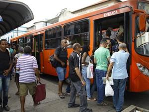 Andar de ônibus pode ficar mais caro