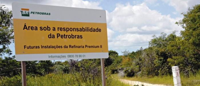 Placa mostra de quem é a responsabilidade pela refinaria