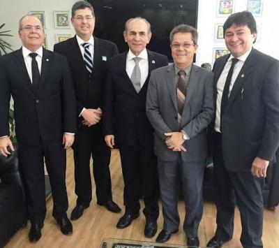 Hildo, com Marcelo Castro, Leo Cunha e diretores do Aldenora Bello