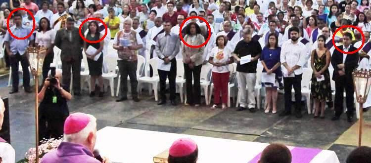 Bira, Eliziane, Rose e Edivaldo: um candidato por metro quadrado em festa católica...