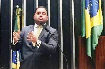 Rocha demarcou território que pretende defender