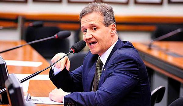 Aluisio Mendes é um dos maranhenses na comissão do impeachment...