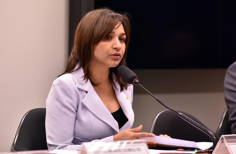 Eliziane Gama: mais uma ação a favor da mulher...