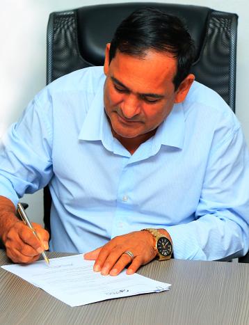 Josemar assina decreto de chamamento de concursados