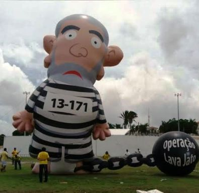 Pixuleco foi destruído por petistas enfurecidos em SL