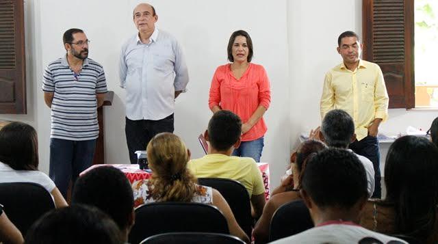 A suplente de deputada Luana Alves também participou do evento