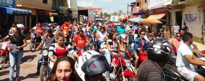 Moradores já não aguentam mais a presença de Beto Rocha em Bom Jardim, gritavam em manifestação...