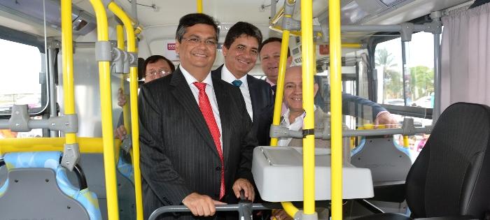 Para impedir a retirada de ônibus velhos de suas linhas, Cabral usou o prestígio que tem com Flávio Dino