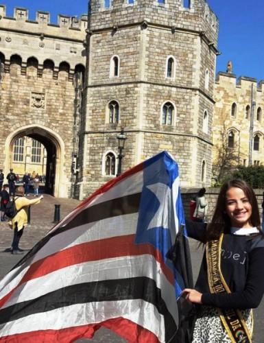 Eleonora com a bandeira maranhense em Londres...