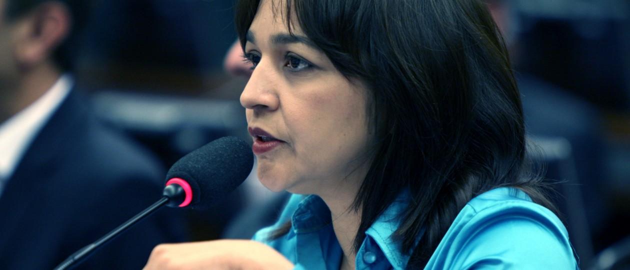 De volta ao PPS, Eliziane vai julgar impeachment de Dilma
