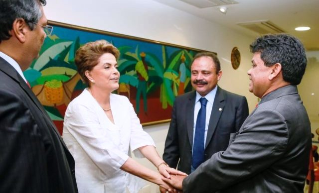 Dino foi a Brasília com Márcio Jerry negociar defender interesses seus, do PT e de Dilma