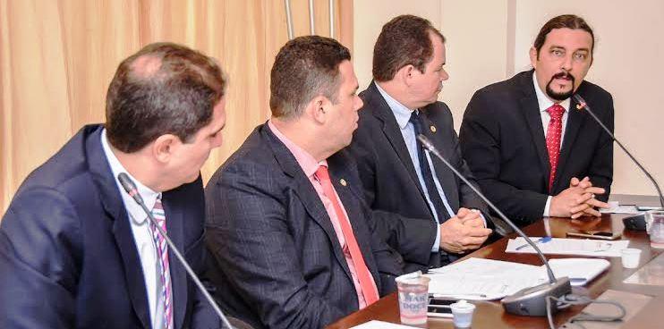 Júnior Verde questiona representante do DNIT em audiência na AL...