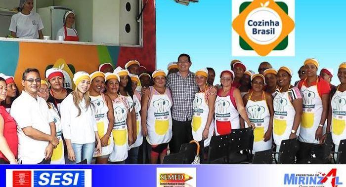 Prefeito Amaury em meio ao participantes do Cozinha Brasil