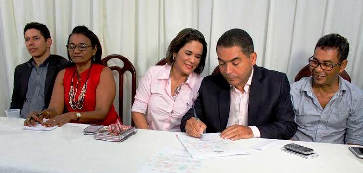 Documentos são assinados chamando os excedentes