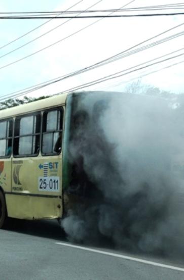 Este tipo de ônibus que o Procon tentou tirar de circulação, mas foi vetado
