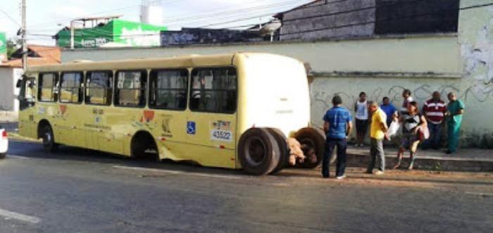 Cenas como esta são comuns com os ônibus de São Luís