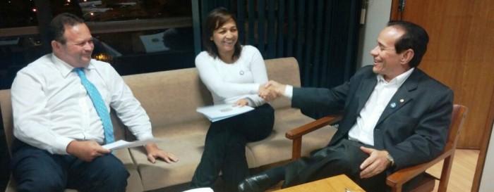 Aos poucos, Pinto aproximou Eliziane do vice-governador Carlos Brandão