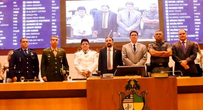 Júnior Verde, o homenageado e as autoridades presentes