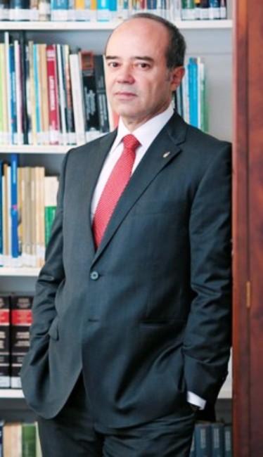 Roberto Caldas, a inspiração de Flávio Dino para avalizar Waldir Maranhão