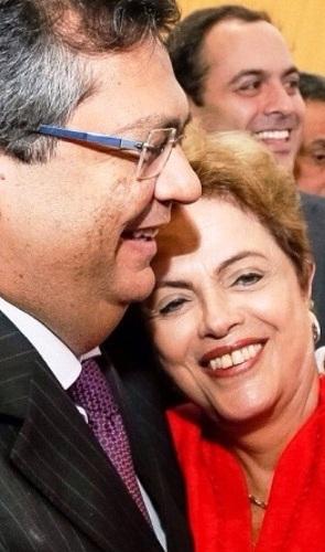 """Dino e o abraço em Dilma; agora é """"tchau, querida!"""""""