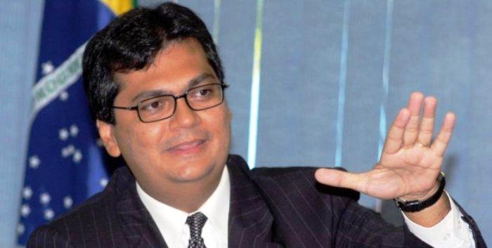 Dino tem usado aviões e assssores em Brasília, nos dias de defesa do impeachment