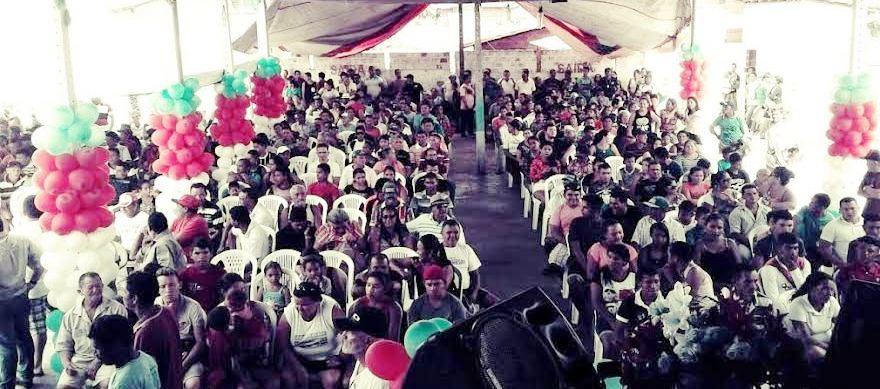 Milhars de pessoas participaram do evento em Barreirinhas