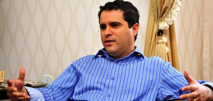 Edivaldo bateu na mesa e segurou a pressão dos empresários contra a licitação no transporte