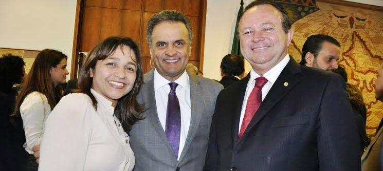 """Eliziaen com Aécio e Brandão; """"nossa candidata a prefeita', disse senador mineiro"""