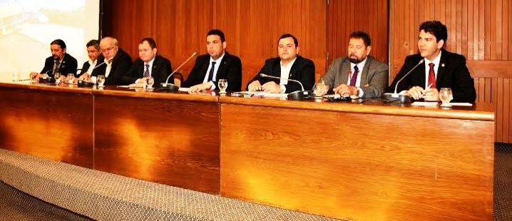 A frente presidida por Fábio Macedo e a reunião com o DNIT