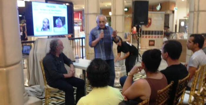 Moab José dá palestra sobre a história de Jesus