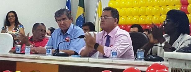 Em Imprerriz, Ildon Marques lidera, com apoio de Roberto Rocha