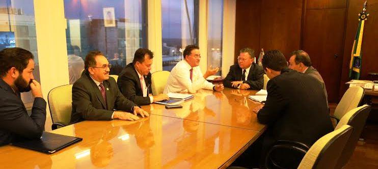 Rocha e seus assessores no gabinete de Maggi