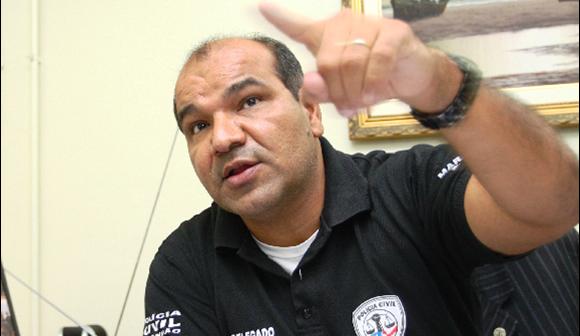 Sebastião Uchôa: crítica aos que querem agradar o overno