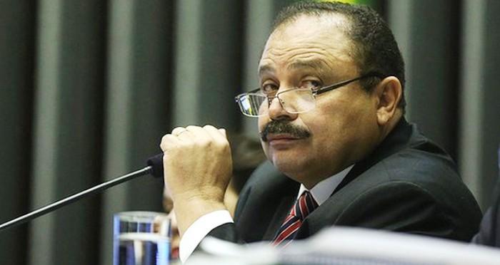 Waldir Maranhão tem resistido à pressão e ao preconceito sulista à sua presença no comando da Câmara