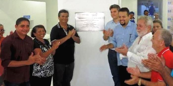 Zé Inácio com Flávio Dino, Nto Evangelista, Clayton Noleto e representantes do Restaurante Popular