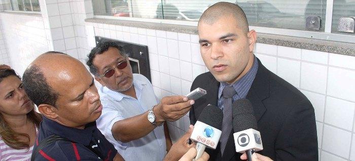 Décio Sá em uma das entrevistas com Pedro Meireles; da antipatia à amizade em pouco tempo...