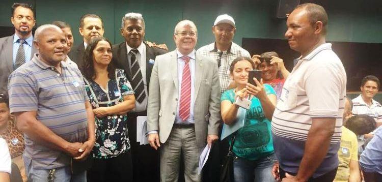 Hildo Rocha com o grupo de donos de quiosques de Brasília