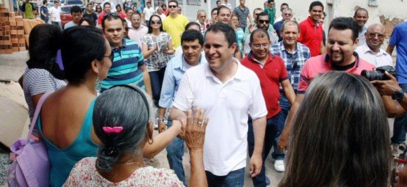 Edivaldo tem ido quase que diariamentye à Cidade Operária, onde mantém contato direto com o eleitor