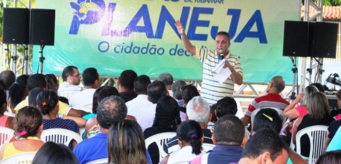 Em São José de Ribamar, Luis Fernando mostra como se faz e age para fazer, sem beijinhos e abraços