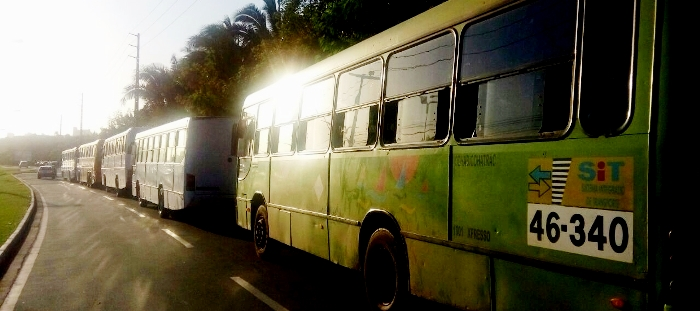 Os ônibus, do ssitema de transporte de São Luís, ficaram parados nos arredores da Assembleia durante todo o evento