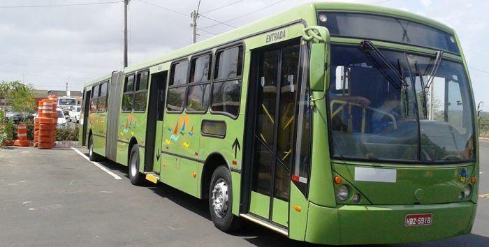 Ônibus articulados, como este, circularão em maior número