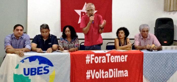 Zé Inácio e Honorato ao lado dos dirigentes petistas; sem consenso, Macieira nem participou