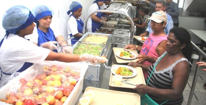 Frequentadores aprovam comida e atendimento dos restaurantes populares em todo o Maranhão